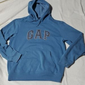 GAP. Pullover, hooded sweatshirt in blue.